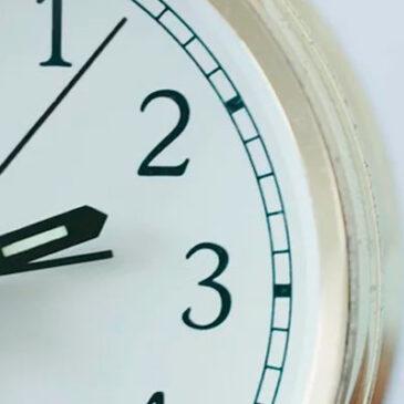 Restricción de horario al público